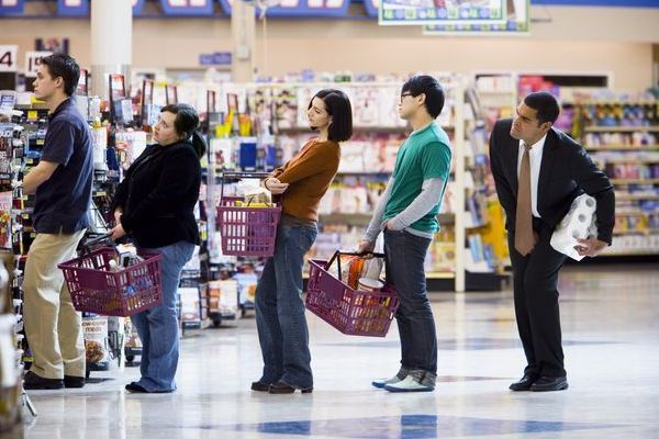 queue people counting solution People Counting Solution Supermarket queues 600x400