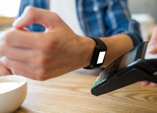man-using-smart-watch-express-pay-2  Contactless Payment- Retailers taking next step to stay relevant man using smart watch express pay 2 scalia blog default