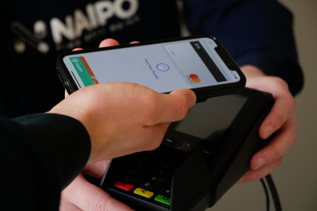 Retail Pro  Contactless Payment- Retailers taking next step to stay relevant naipo de k24rOBJ2D 0 unsplash 1