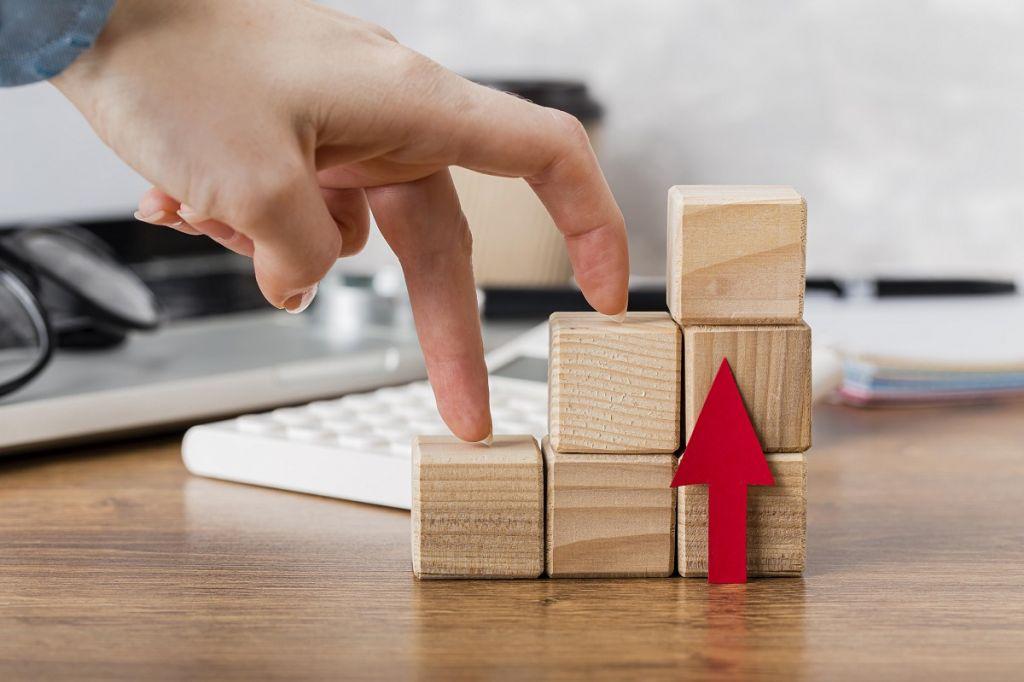 Retail profit profit margin Learn the ways to Increase the retail profit margin In the Next 5 minutes hand climbing wooden blocks represent growth 1024x682